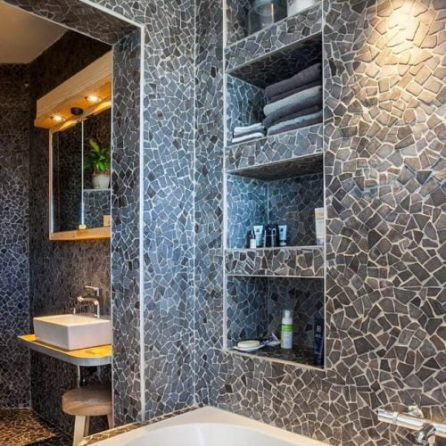 bathroom Studio in Antwerp for expats near the port