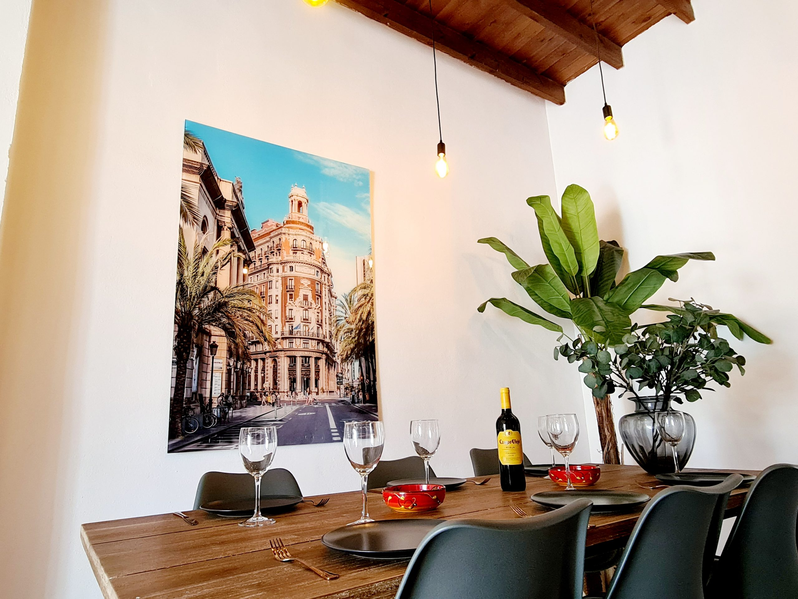 Beautiful rental apartment in central Valencia
