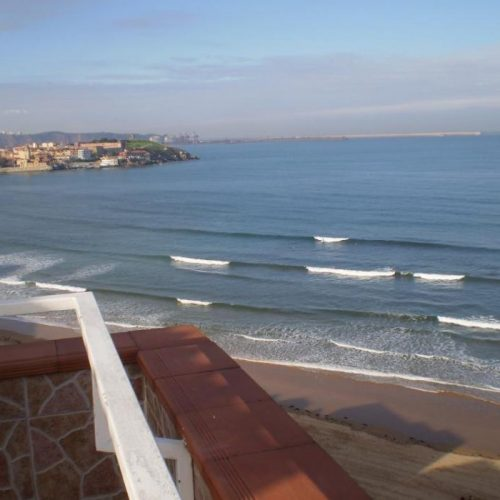 Amazing beach apartment in Gijon
