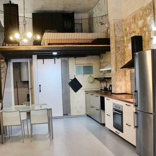 Rodrigo - Lovely furnished loft in Valencia for expats