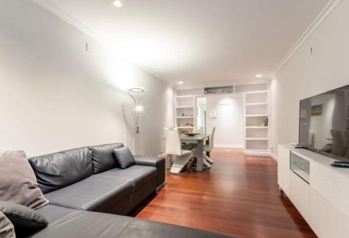 Spacious flat for rent in Bilbao centre