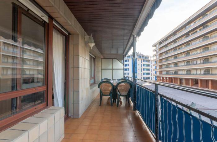 Apartment for rent with seaview
