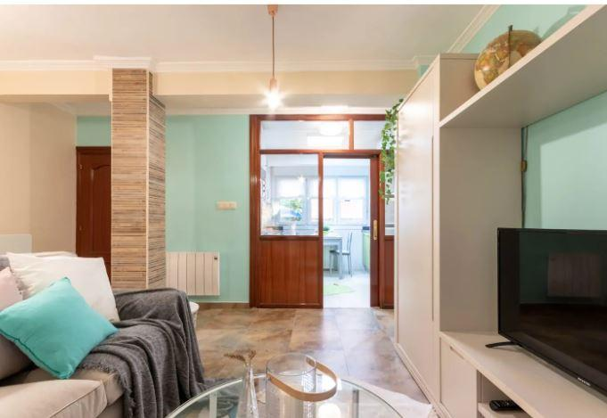 Guru - Furnished Bilbao apartment with parking
