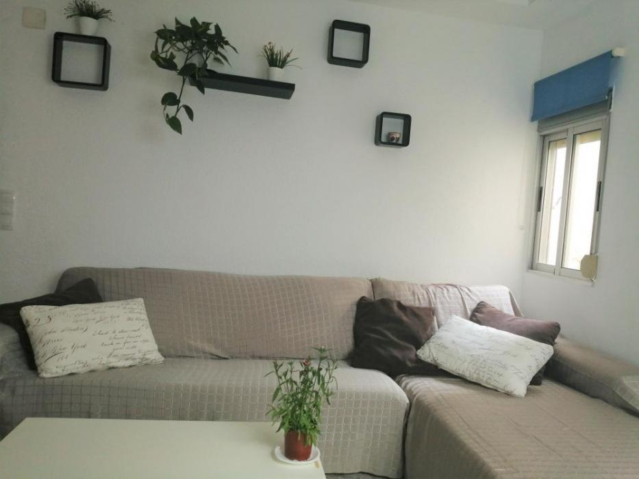 Furnished rental apartment near valencia beach