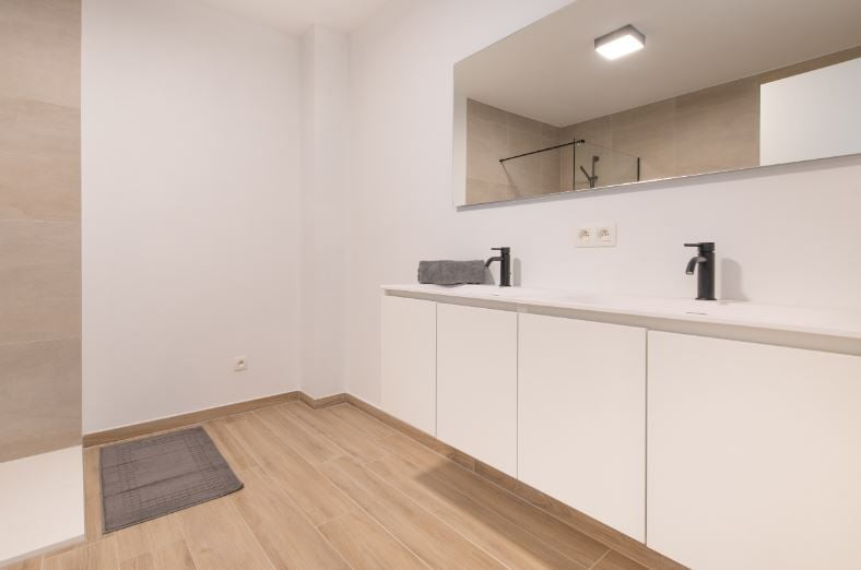 Velle 04 - Apartment for expats with garage in Temse