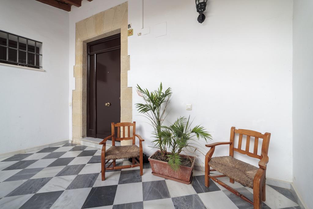 Palacio Leones - Furnished expat apartment near Cadiz