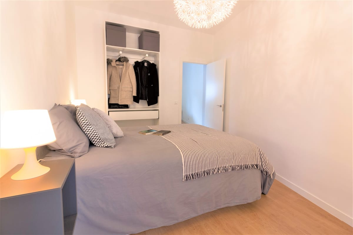 Bright apartment in madrid for expats