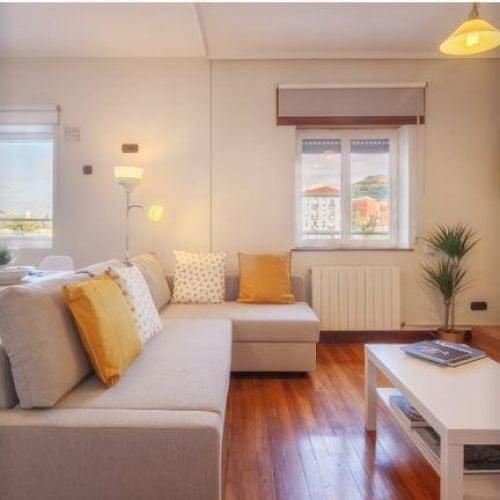 Olabeaga - River view expat apartment in Bilbao