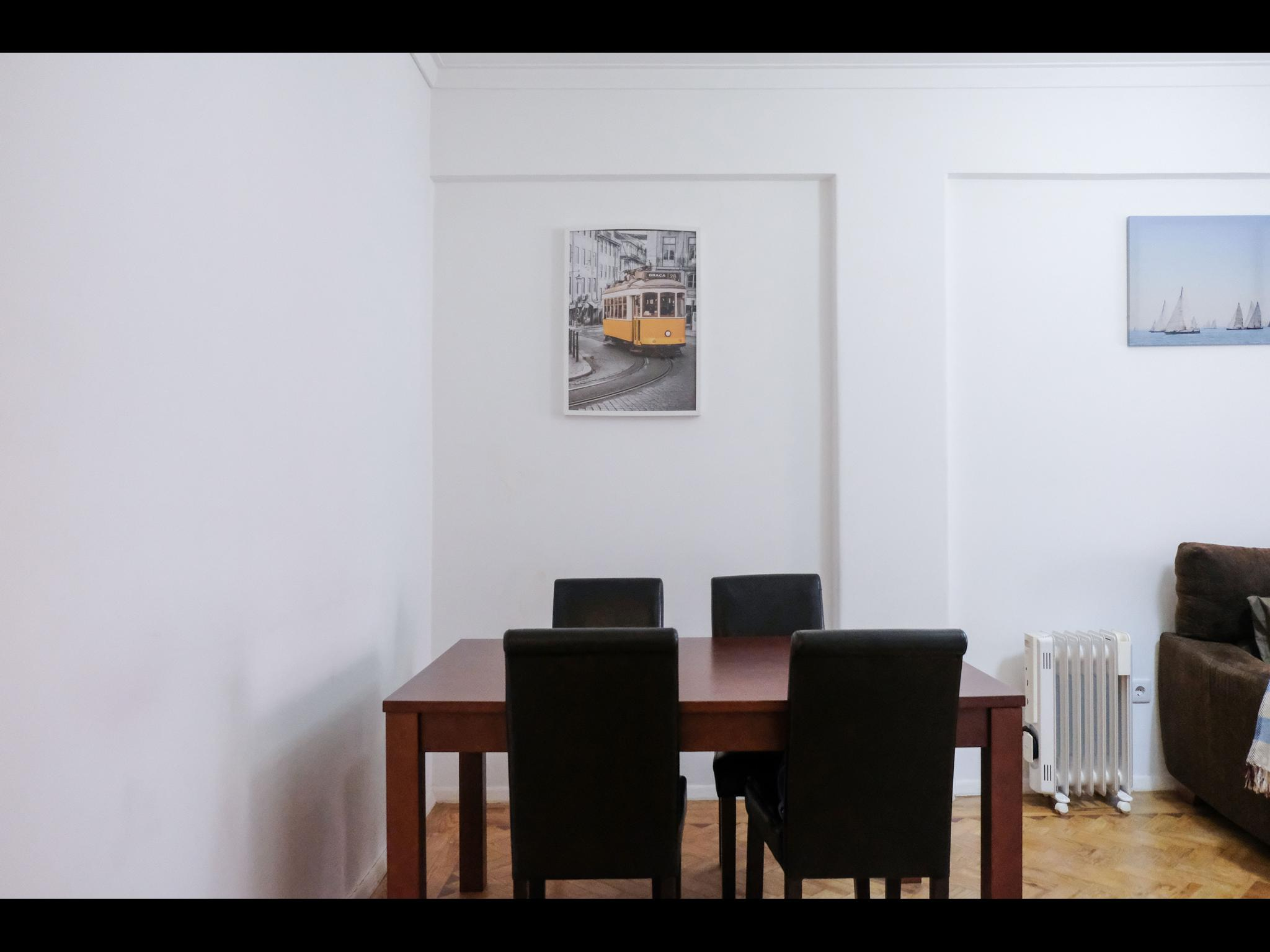 Campolide - 2 bedroom apartment in Lisbon