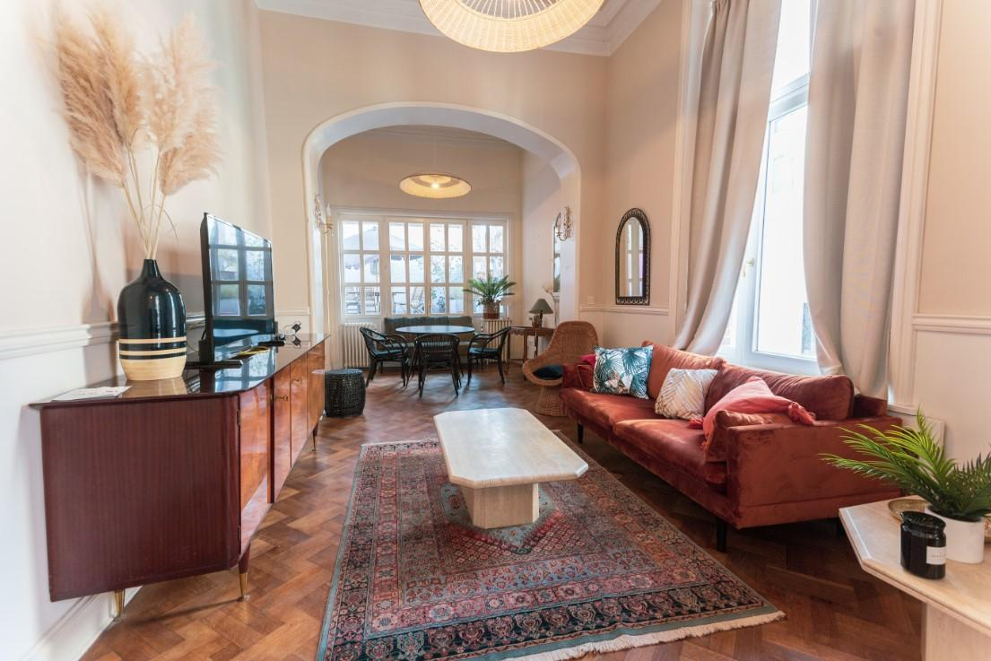 Rue de Livourne - Large bedroom in an apartment in Brussels