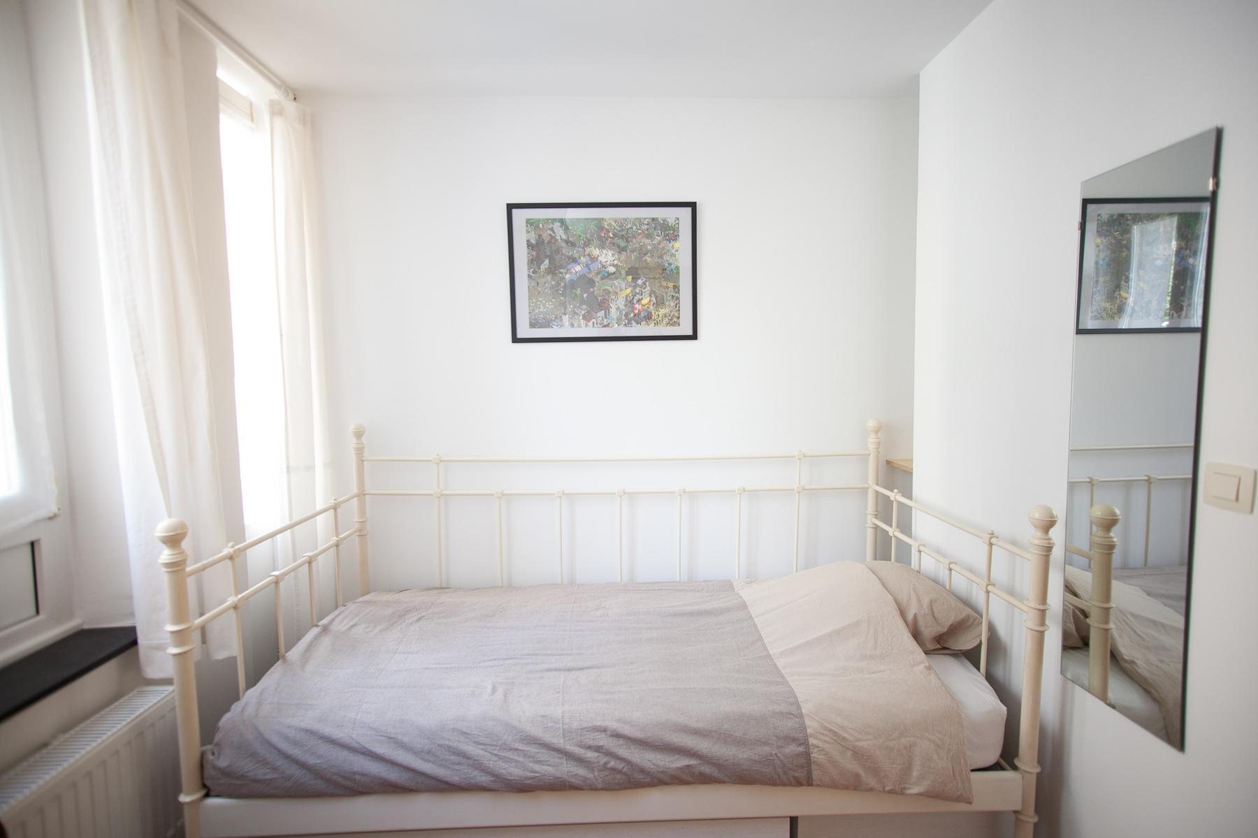 Rue des Patriotes - Spacious bedroom in Brussels