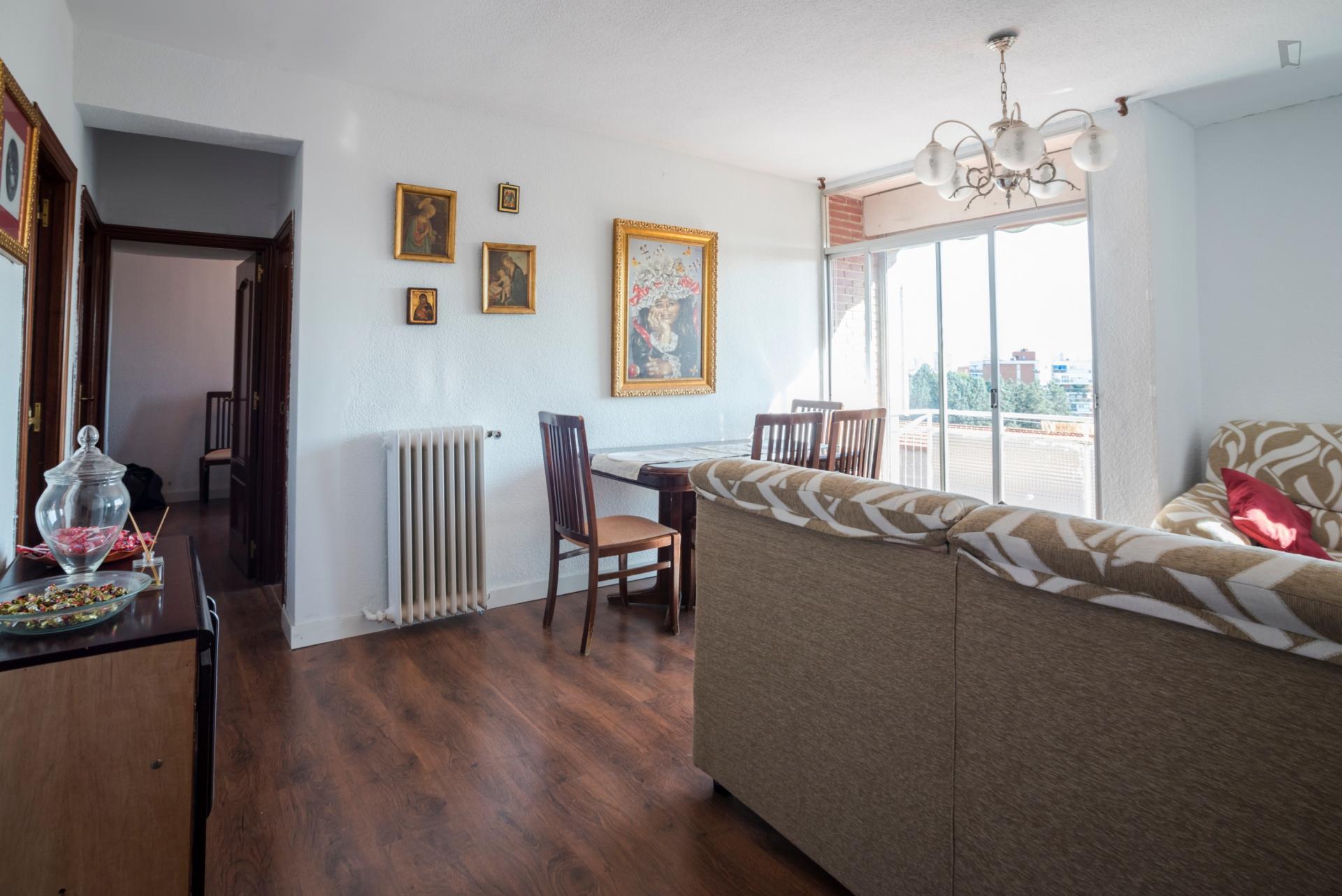 Arzua - Bright bedroom in Madrid