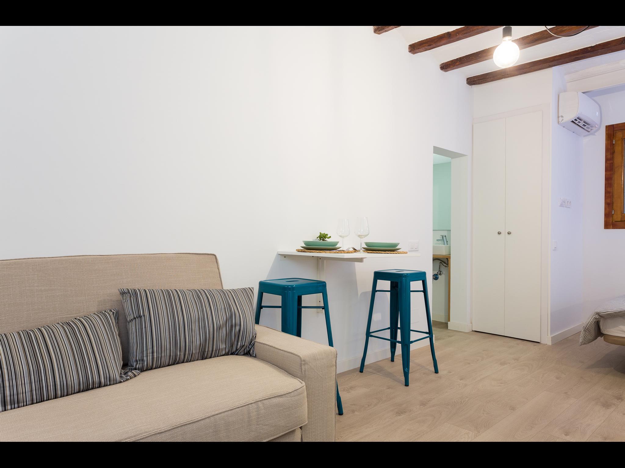 Malnom - Modern furnished studio in Barcelona