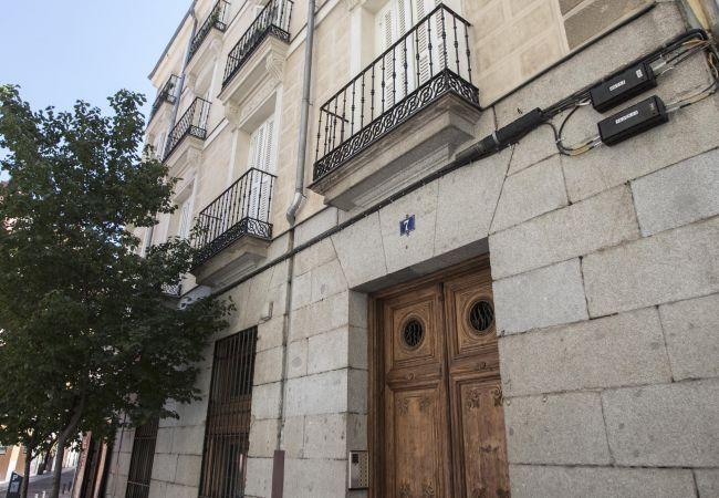 Piso moderno y equipado en Madrid