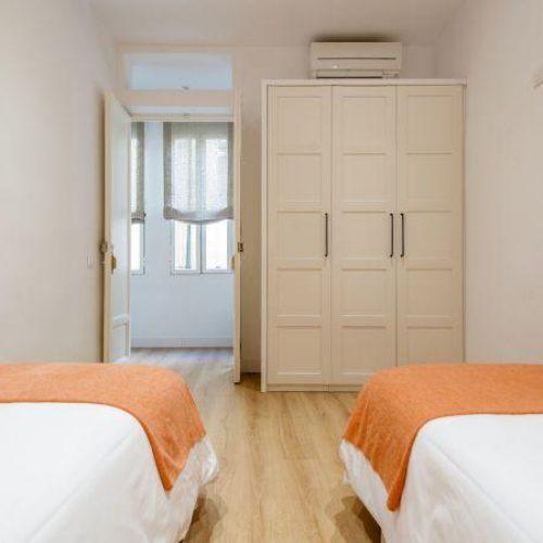 Gines - Piso 2 dormitorios en Madrid centro