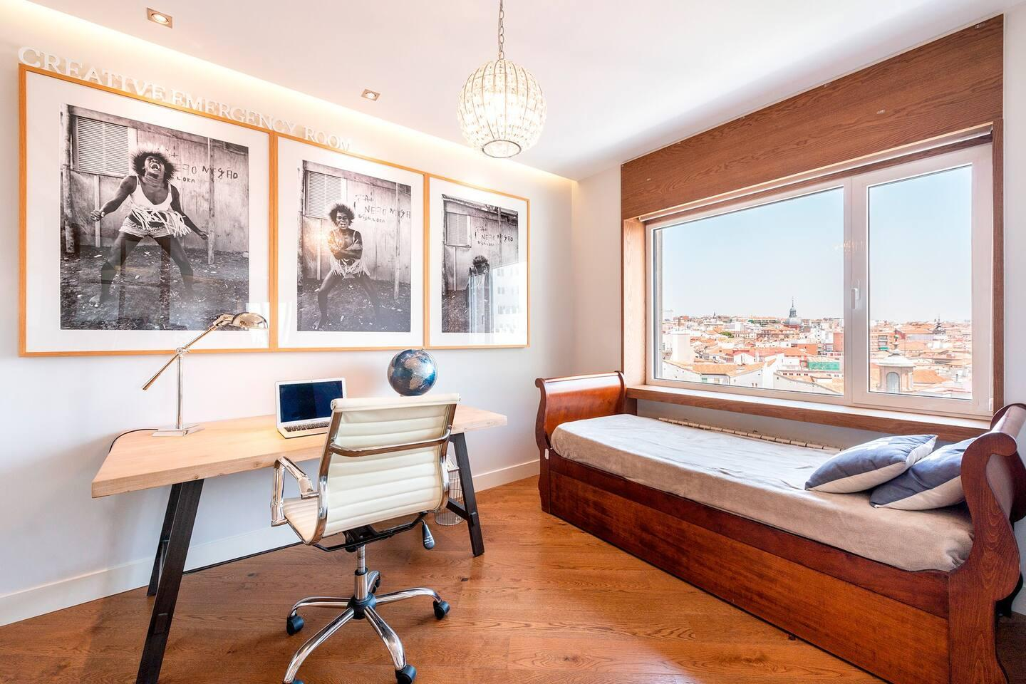 Plaza - Luxurious flat in Madrid