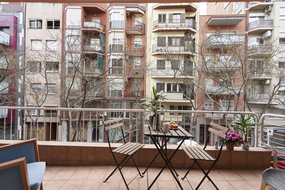 Fructuos - Piso reformado en Barcelona