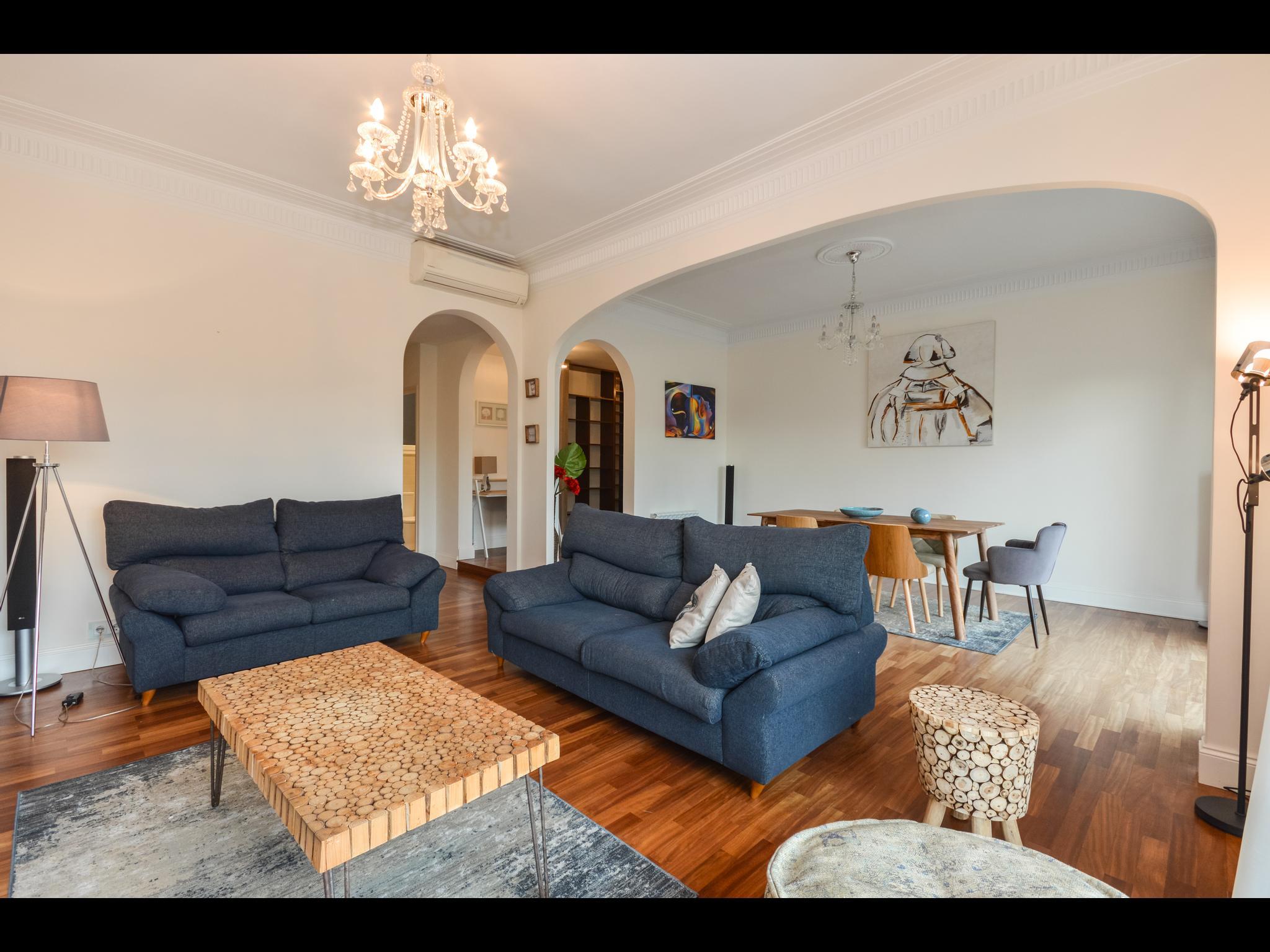 Spacious luxury flat in Barcelona