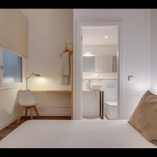 Diagonal - Private room in Barcelona