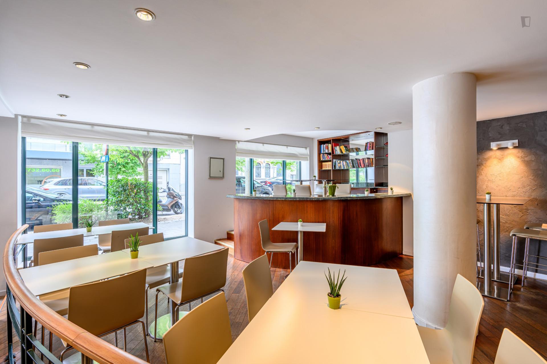 Ambiorix - Expat apartment in Brussels