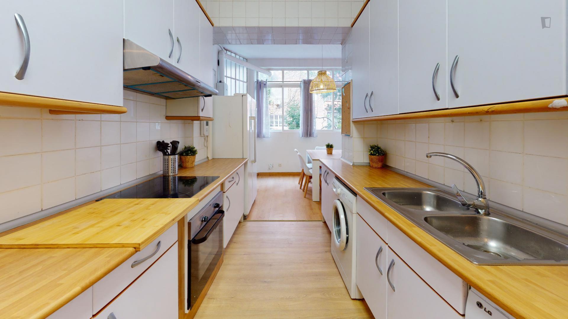 Vallehermoso - Bedroom to rent in Madrid