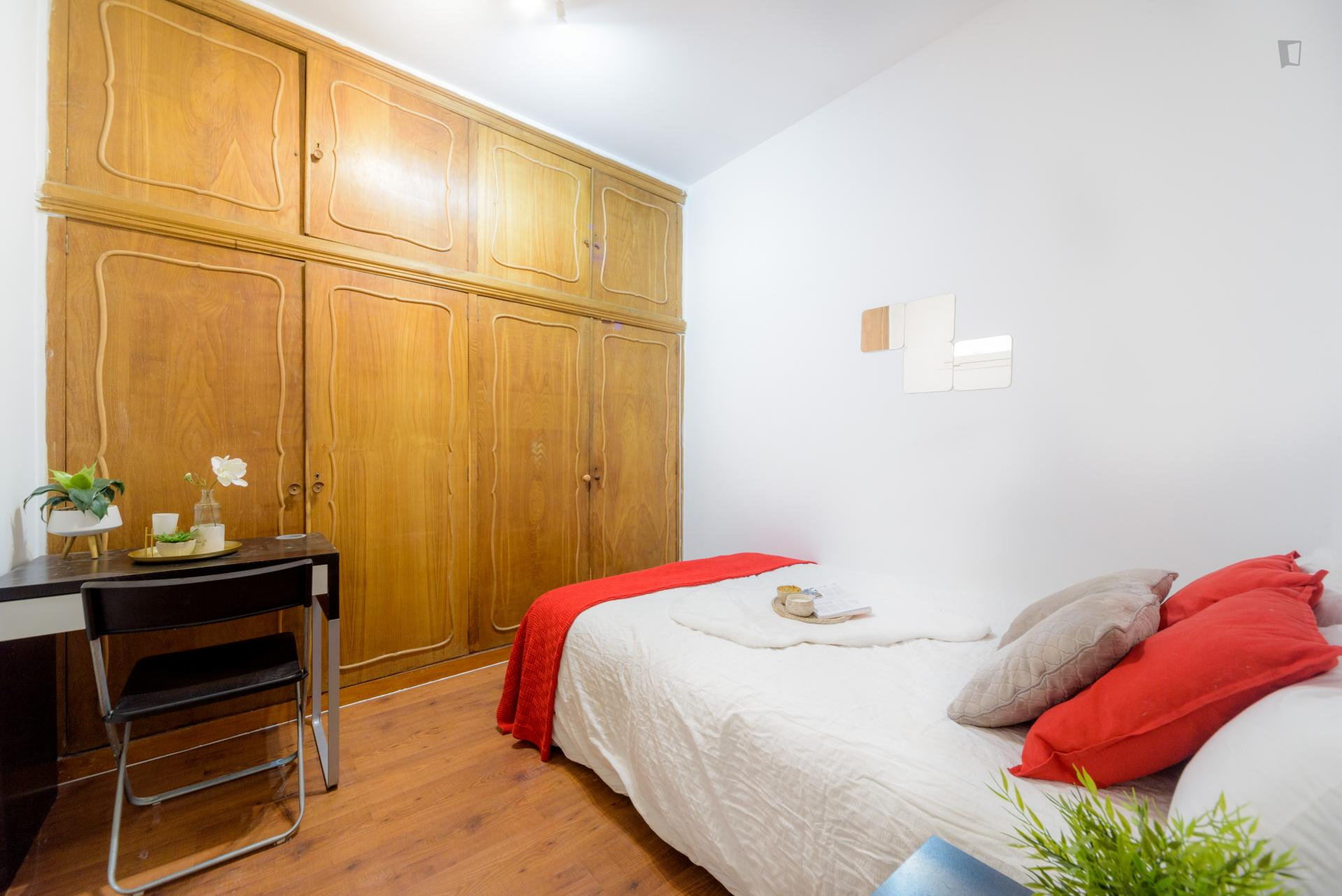 Bailen - Single bedroom in a shared flat in Madrid