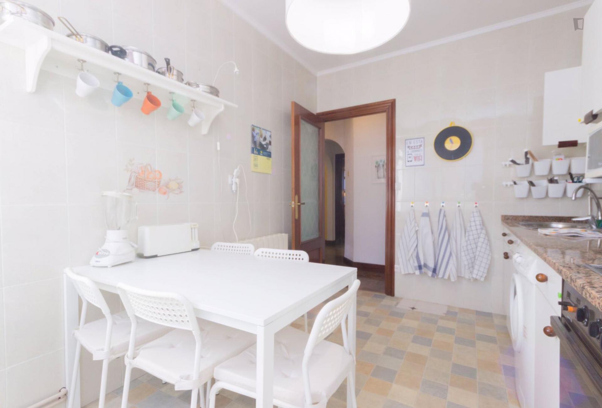 Huertas - Habitación en piso compartido en Bilbao