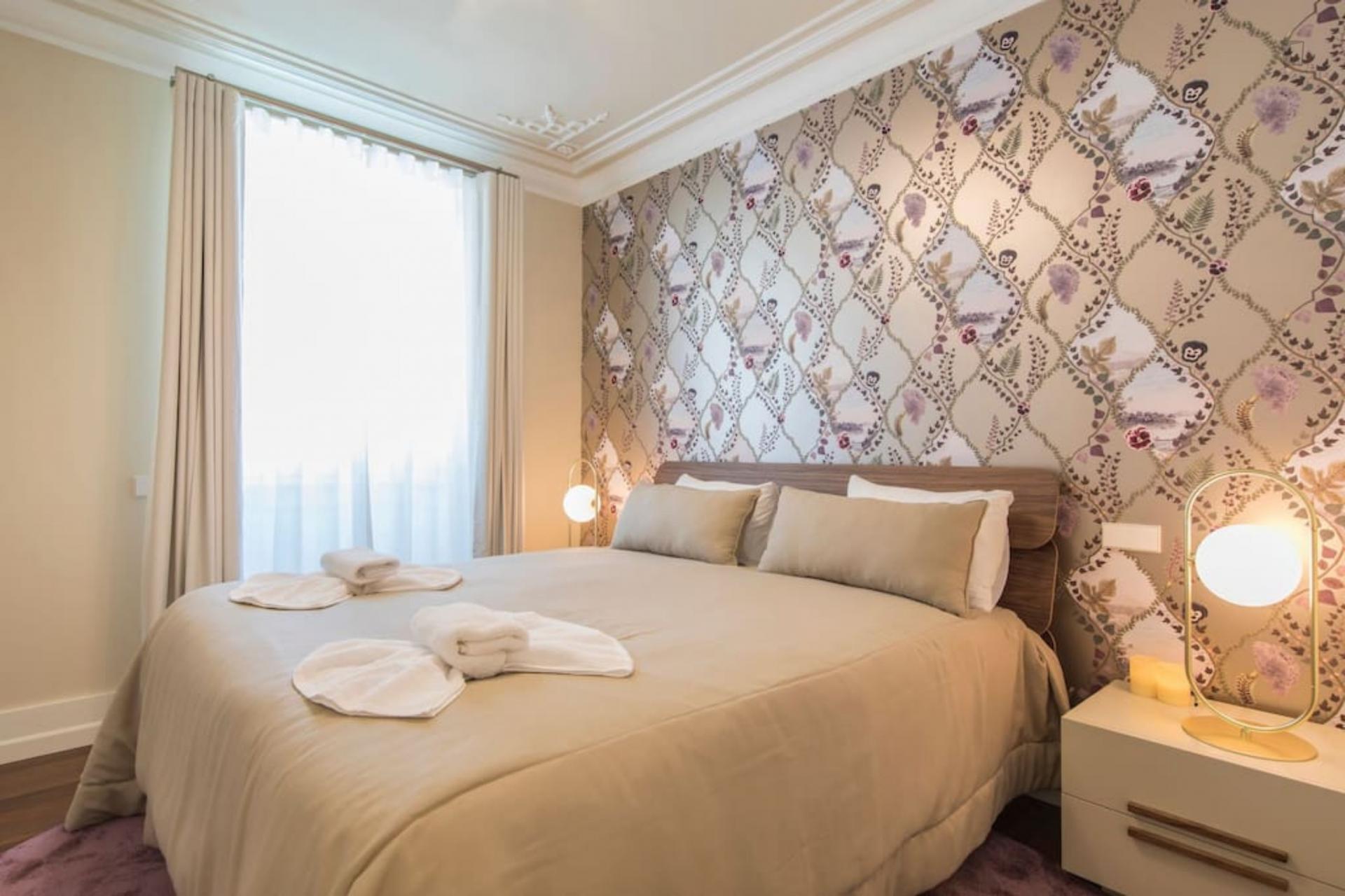 Duque de Loulé- 2 Bedroom Apartment with pool in Lisbon