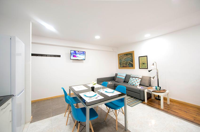 Spacious room in shared flat in Bilbao