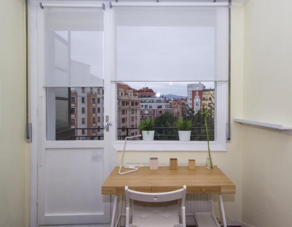 Ferrocarril- Modern Room with Terrace in Bilbao