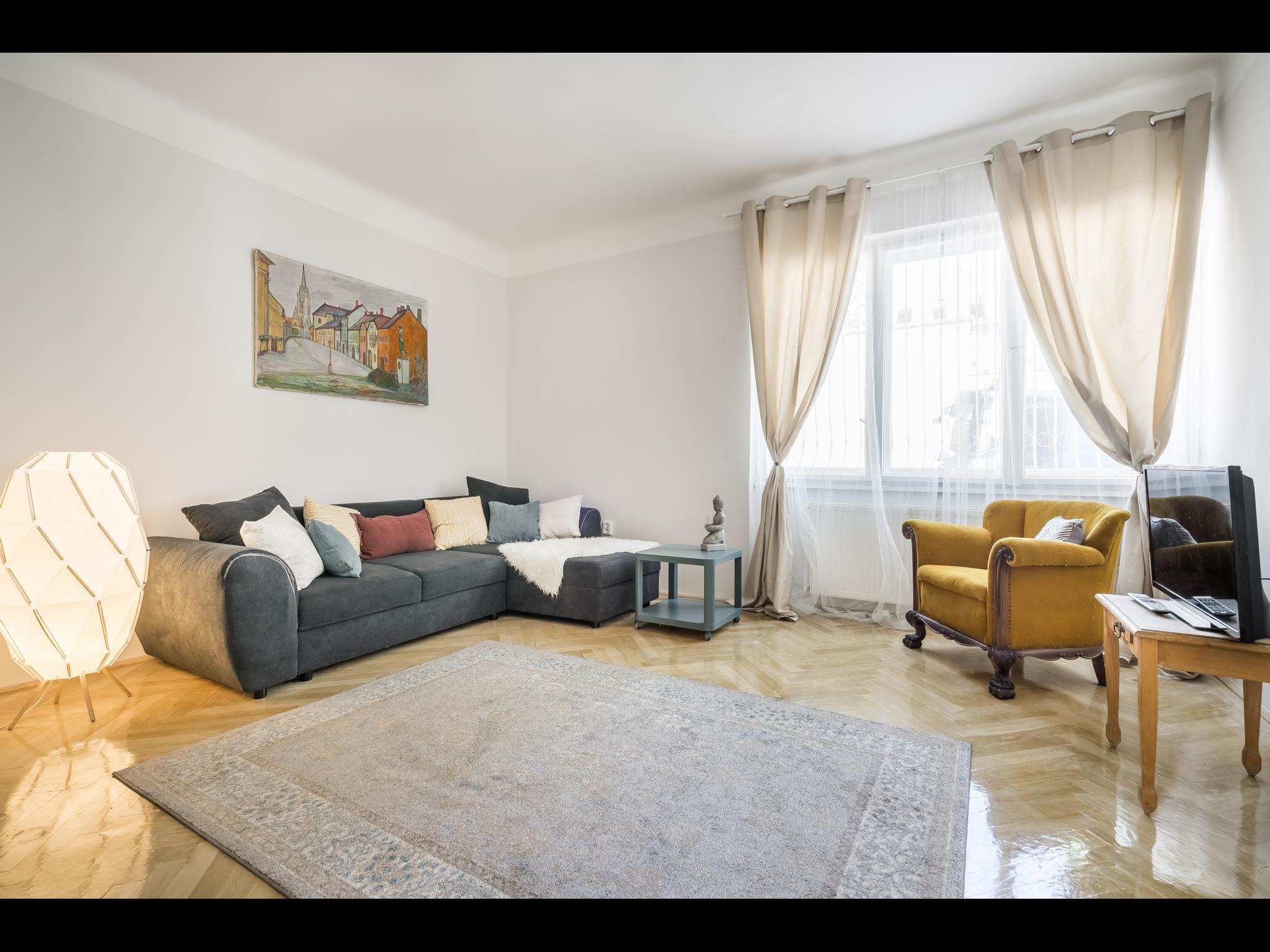 Ponty - 3 Bedroom flat in Budapest