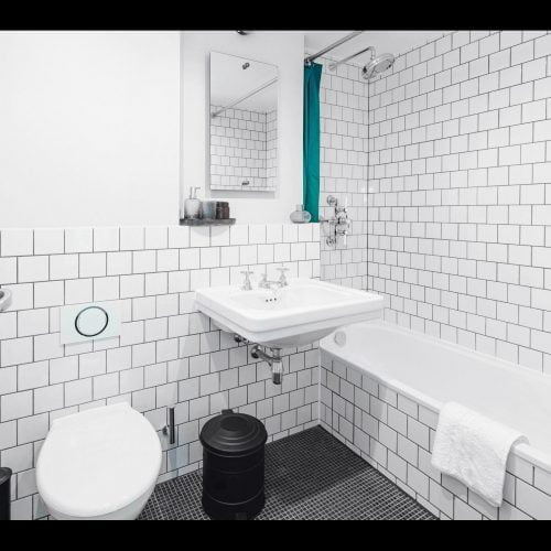 Brunnen is an exclusively furnished apartment in Berlin. It is spacious and entry ready.