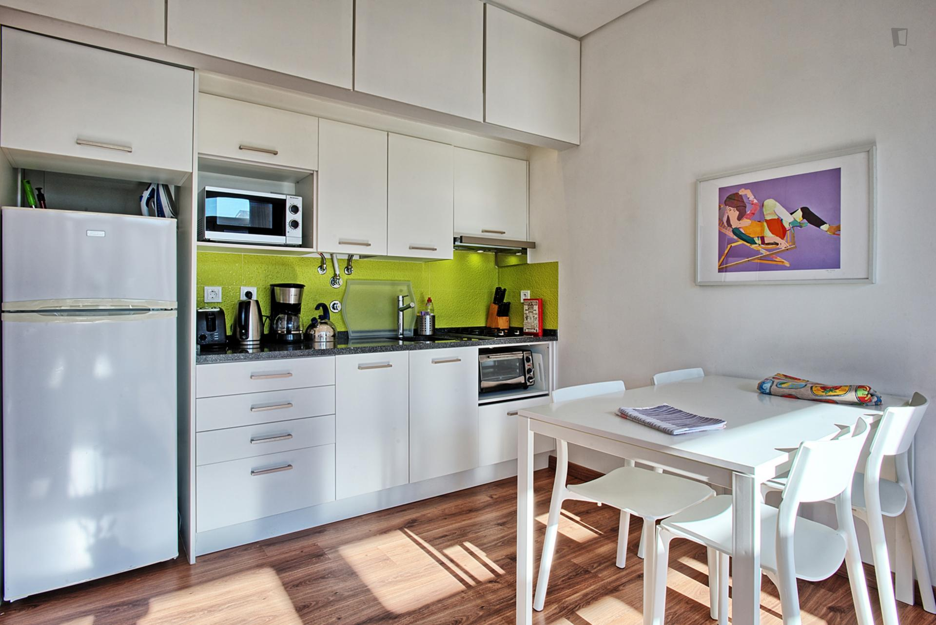 Pais- 1 Bedroom Apartment with view Lisbon