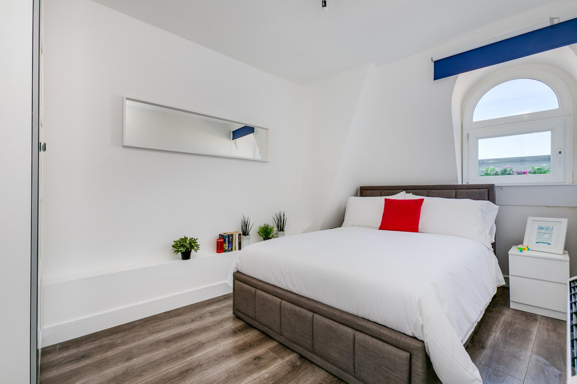 Moscow- Modern Shared Flat in London