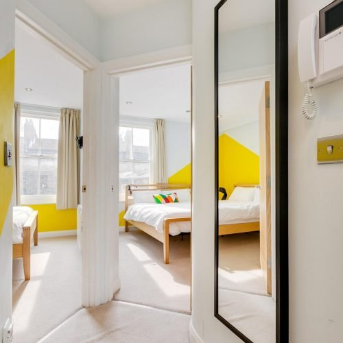 Hanbury- Cozy and Bright Apartment in London