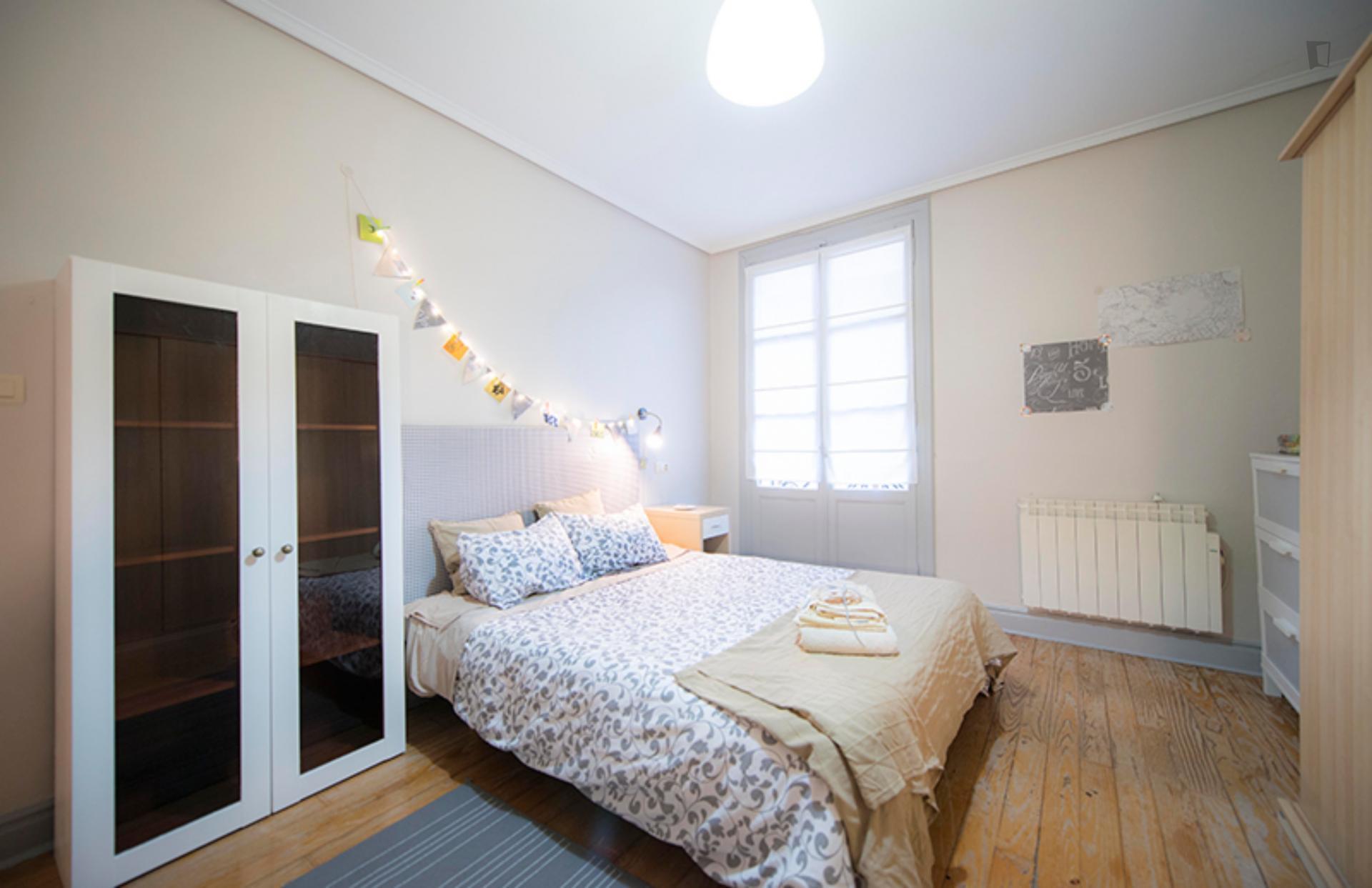 Casco Viejo - Alegre dormitorio en Bilbao