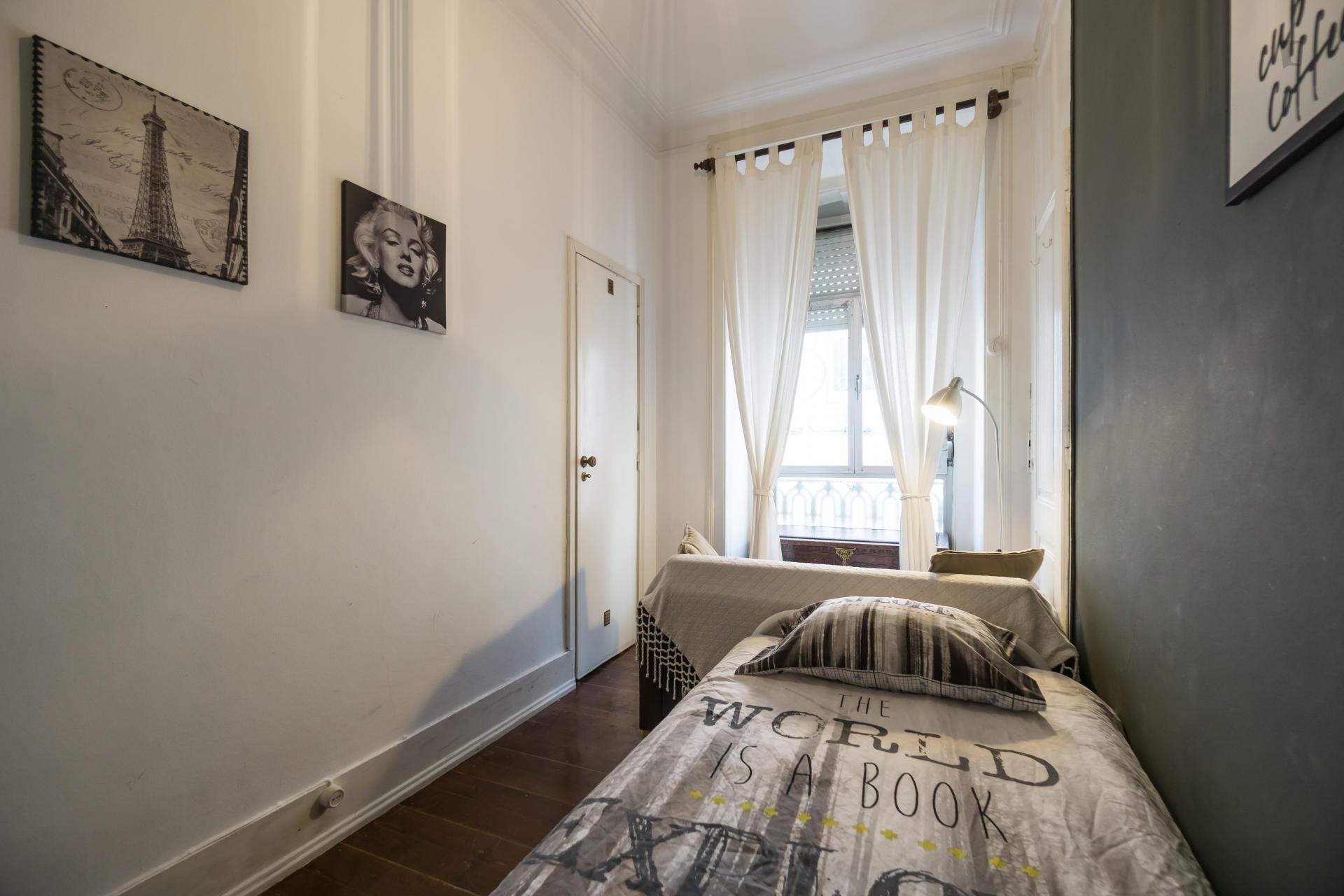 Teixeira- Single bedroom in shared flat in Lisbon