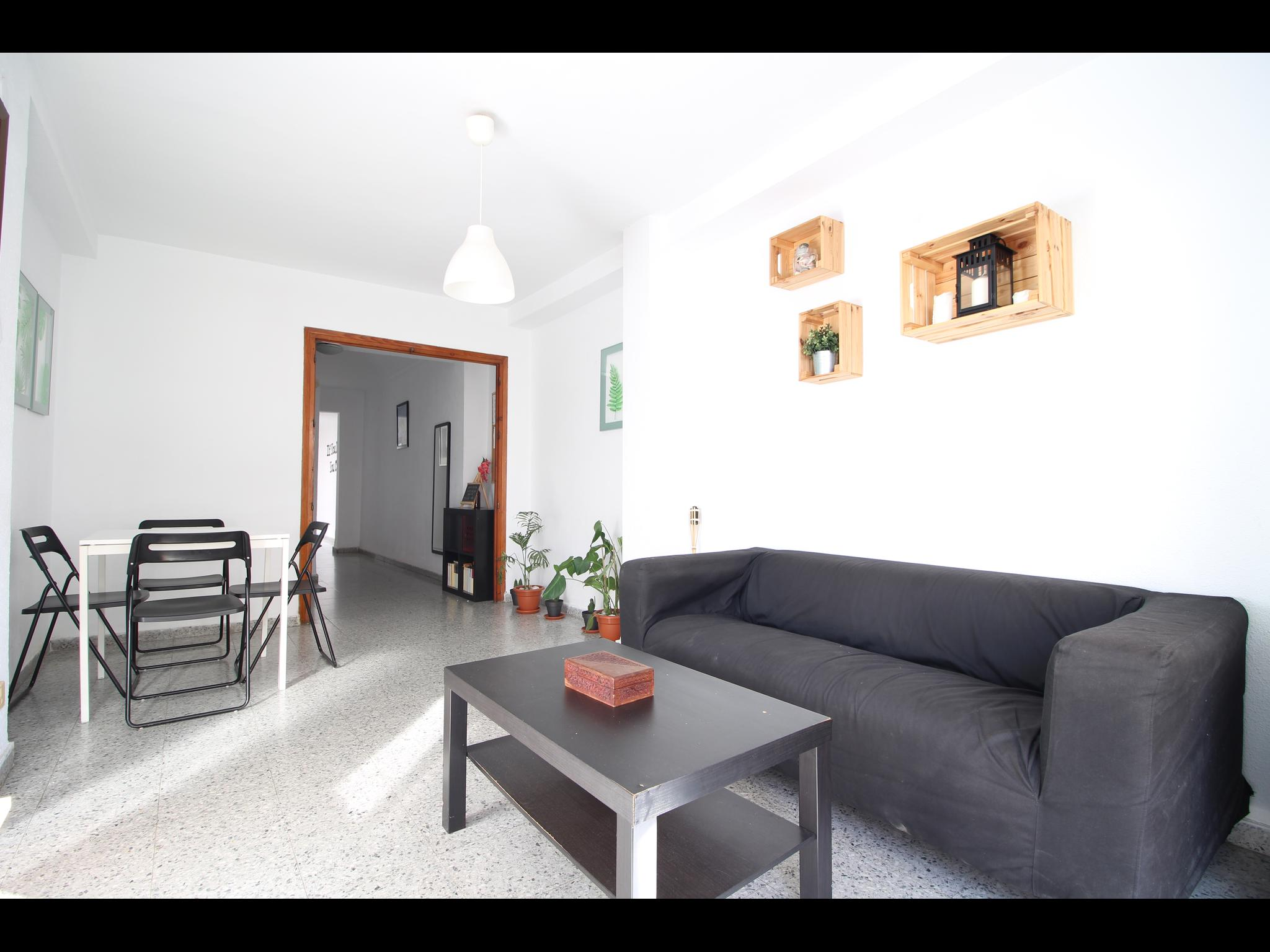 Victoria- Perfectly Located Flat For Expat Malaga