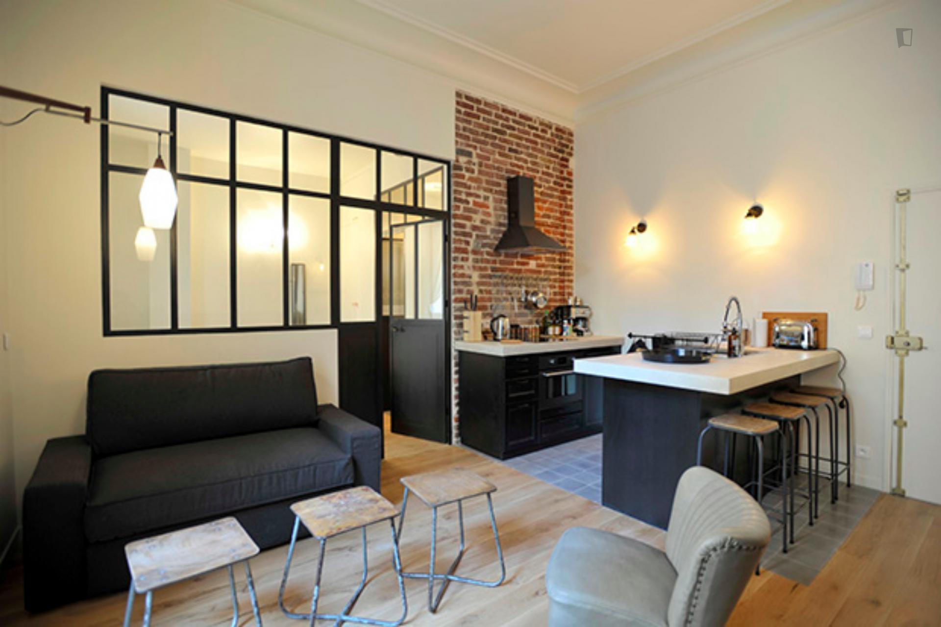 République- Beautiful Loft for expats in Paris