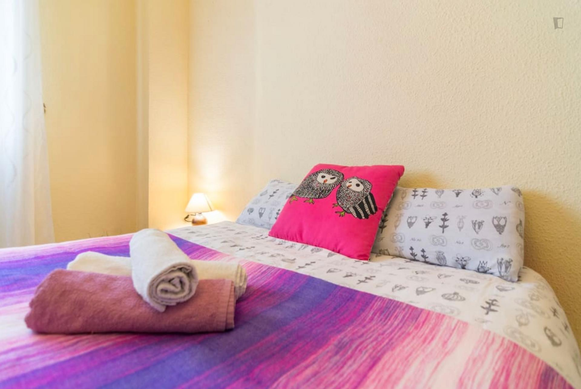 Litoral 2- Bright bedroom in shared flat in Malaga
