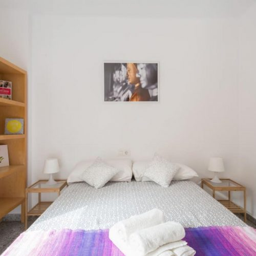 Comedias 2- Bedroom with a Terrace in Malaga