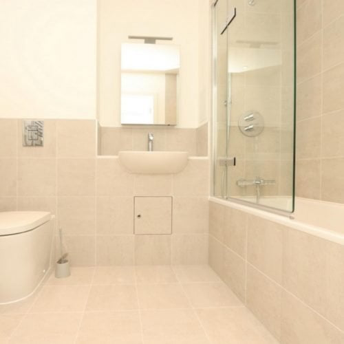 Quays Road- Modern flat ready for expats in London