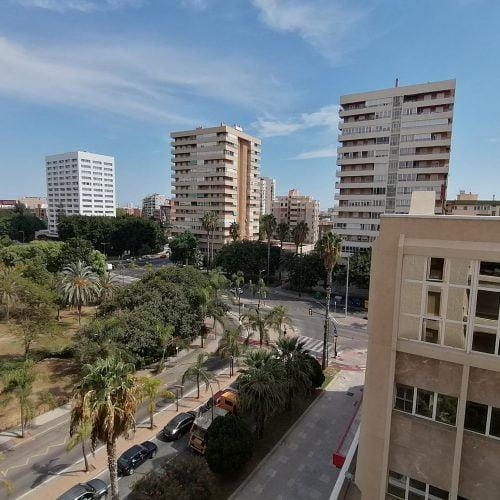 Avenida - Bedroom for rent in Málaga