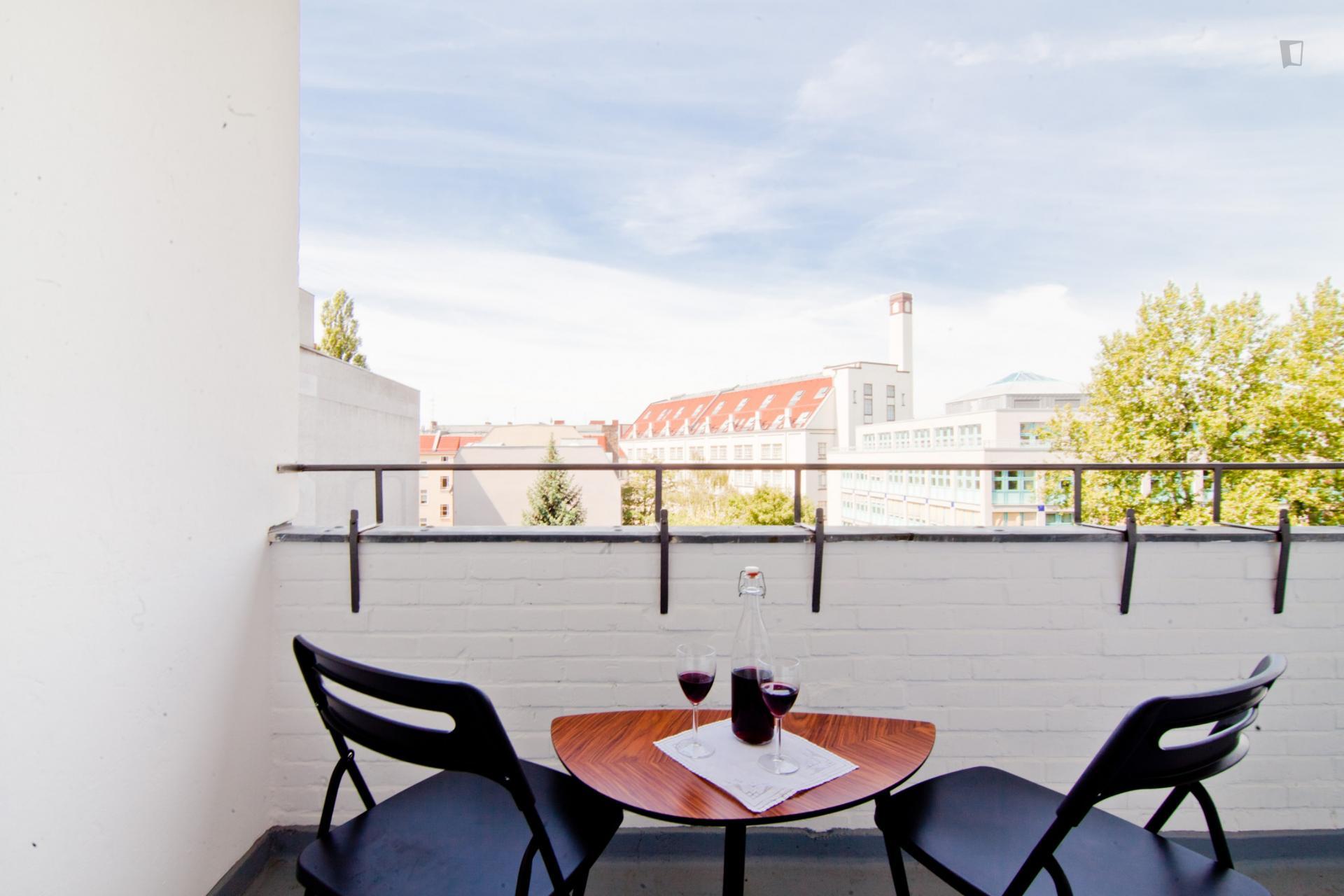 Reinicken - Modern apartment in Berlin with balcony
