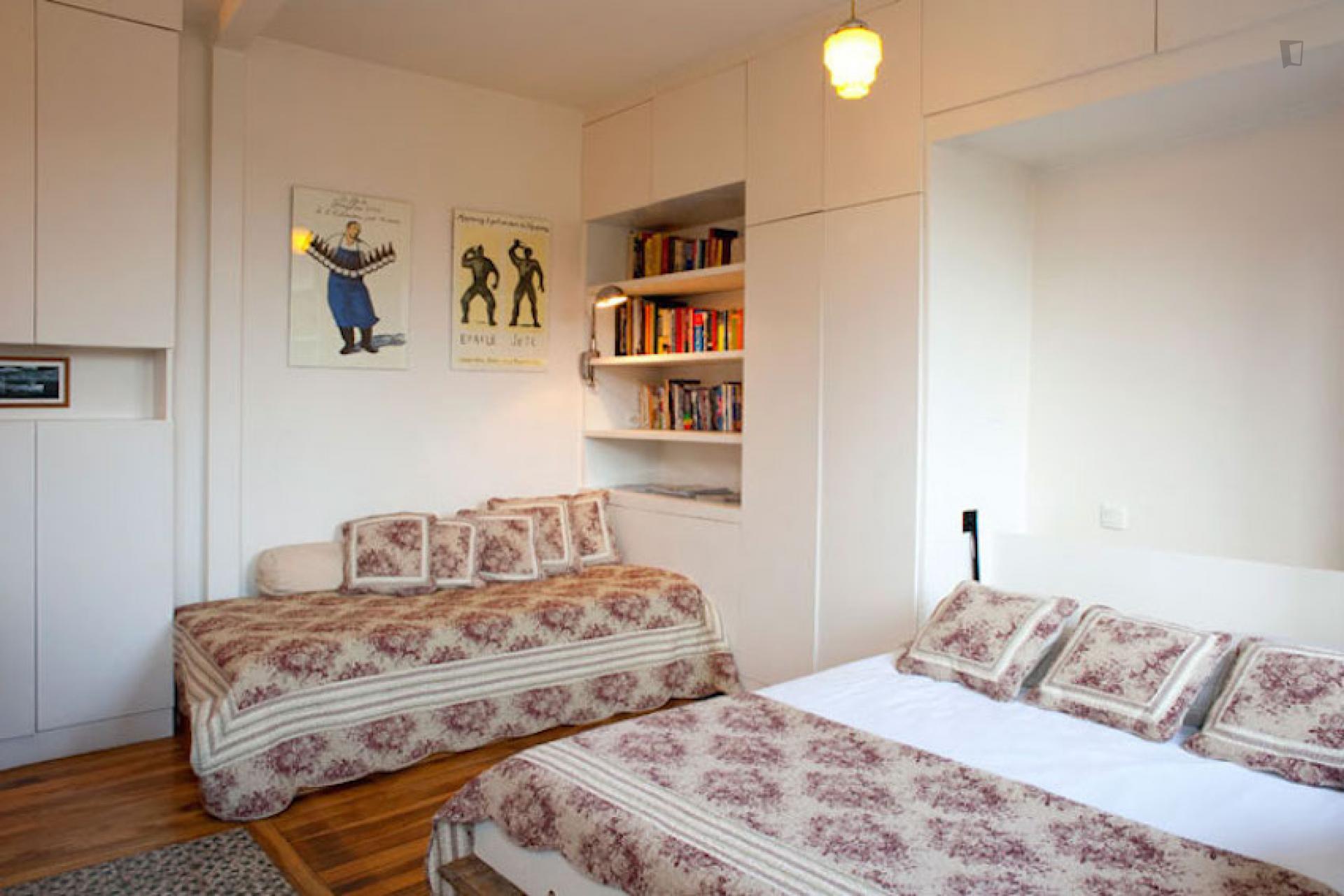 Saint-OuenSaint-Ouen- Elegant Studio Apartment in Paris- Elegant Studio Apartment in Paris