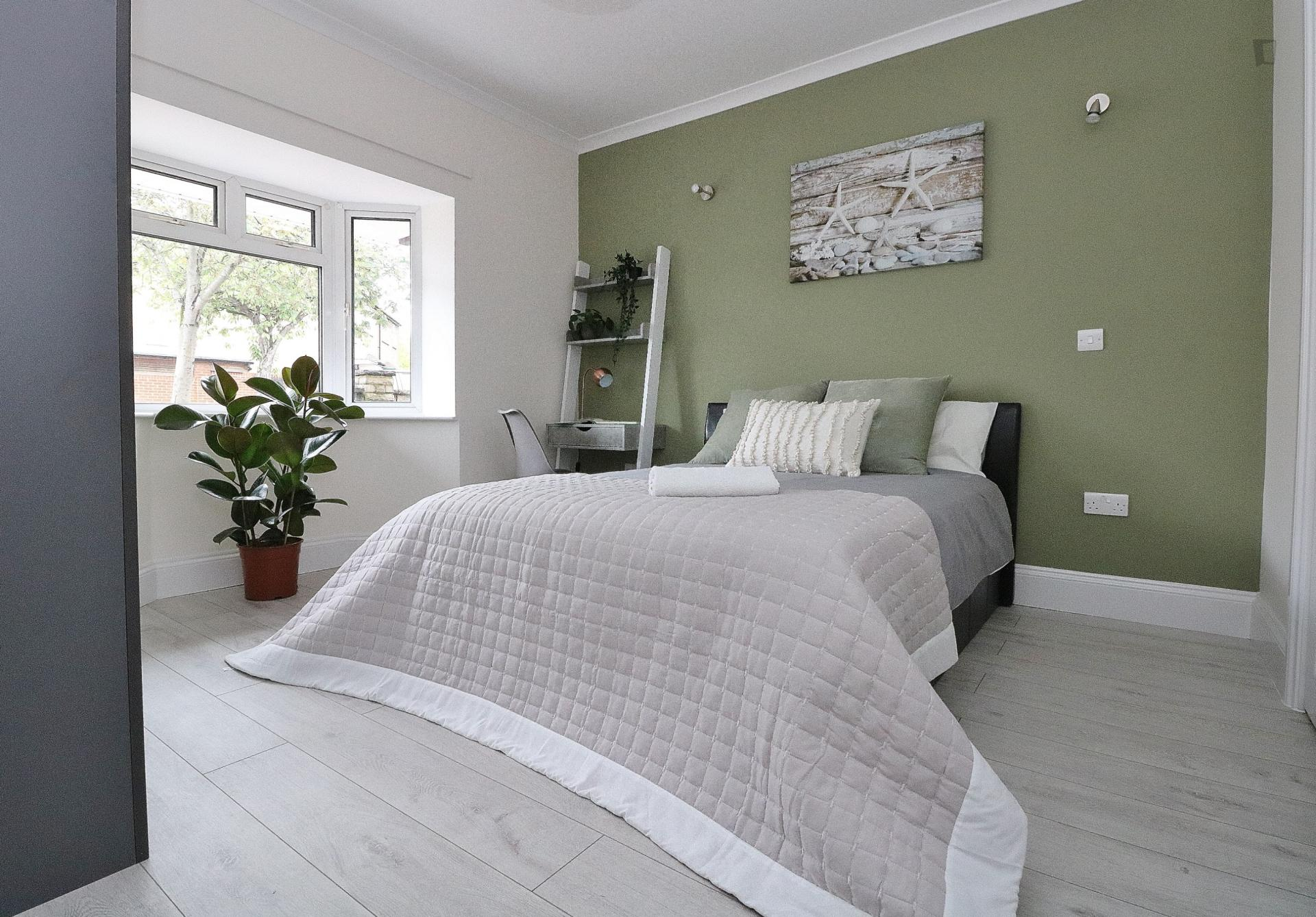 Fairway - Modern bedroom in London for expats