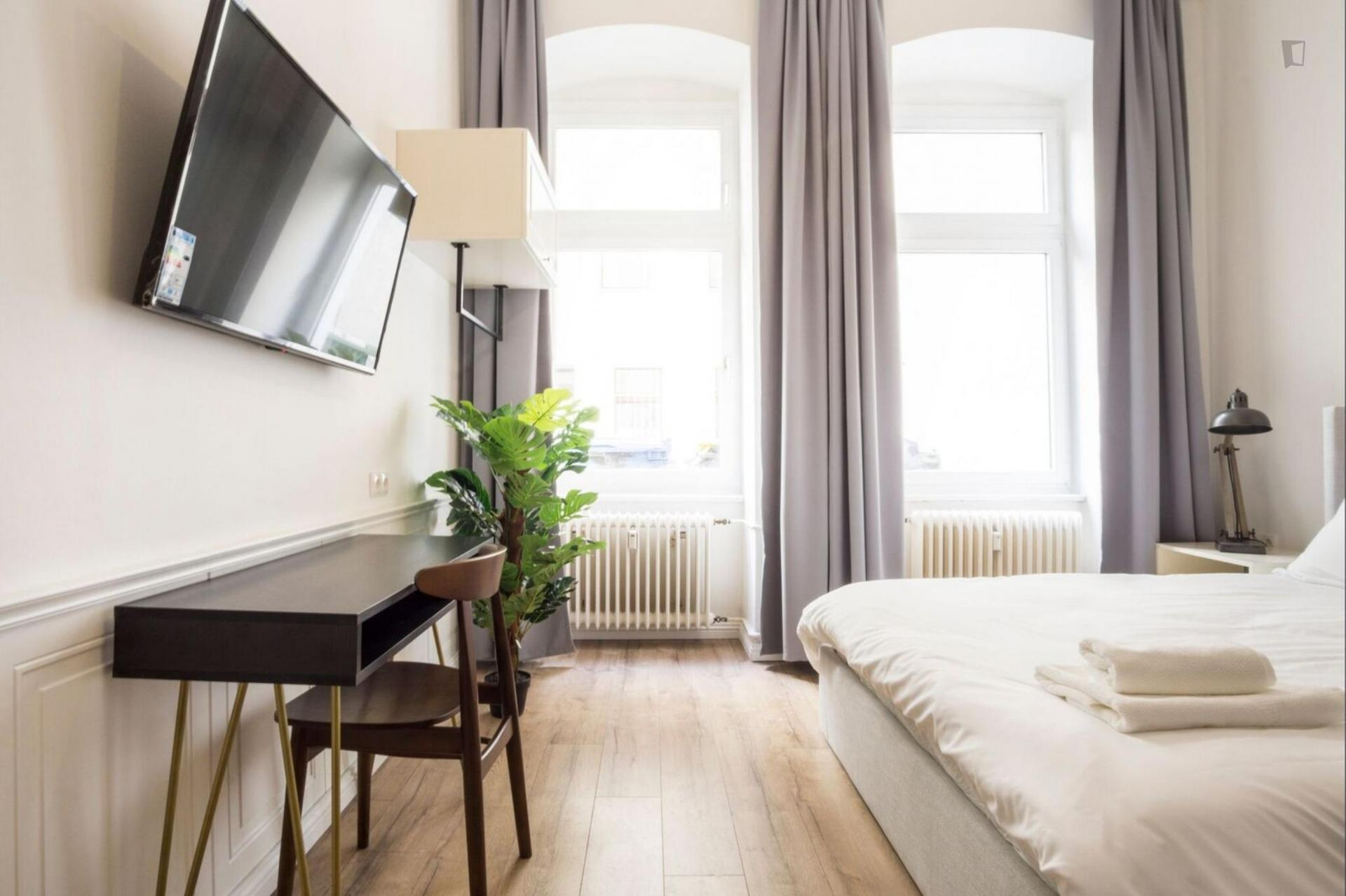 Rucker - Modern furnished studio in Berlin