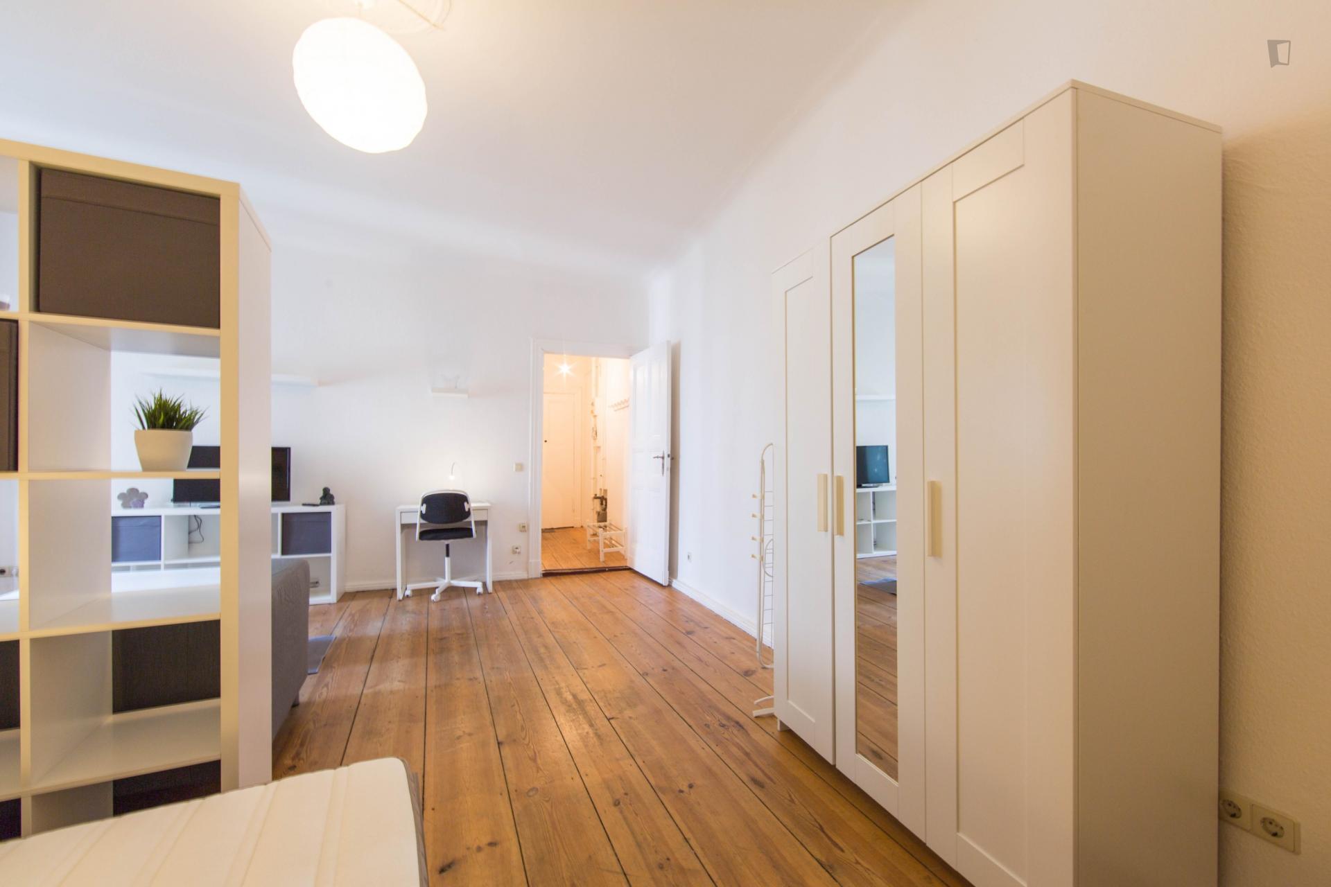 Box - Spacious studio in Berlin