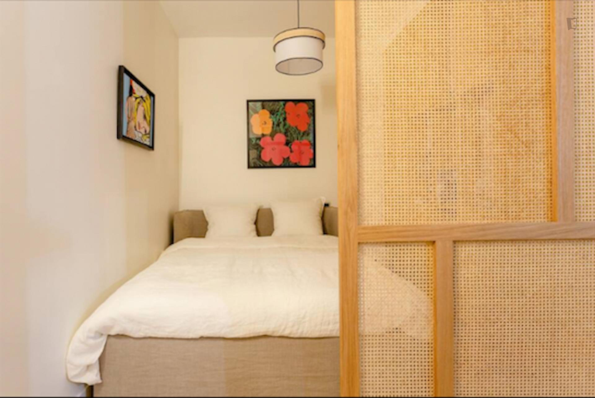 Temple is a spacious and modern studio in Paris