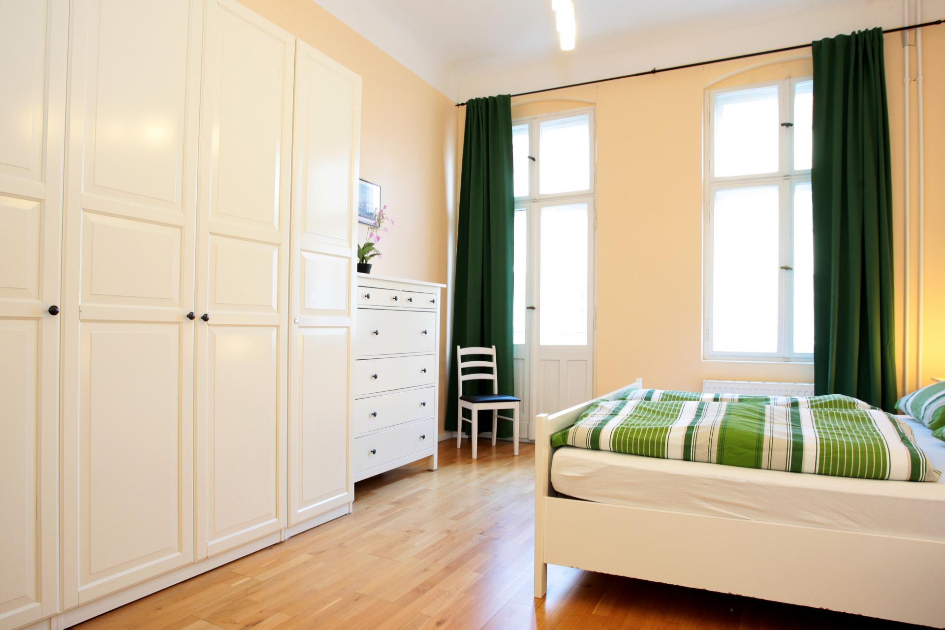 Emanuel - Expat flat with balcony in Berlin